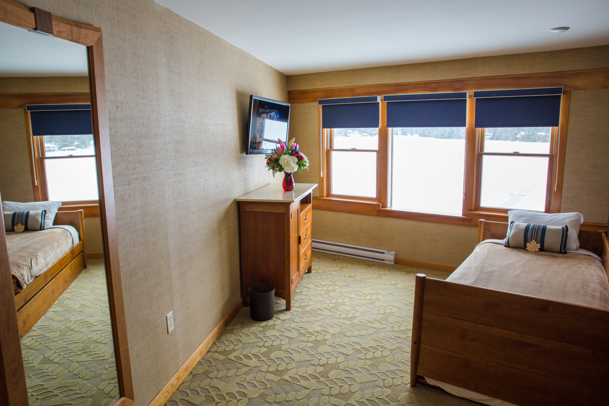 trundle bed in skylight suite
